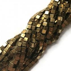 Hematyt kostka 4x4mm złoty sznurek