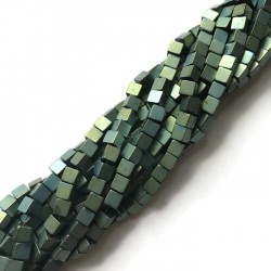 Hematyt kostka 4x4mm zielony sznurek