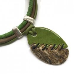 Wisior naszyjnik z ceramiki szyty owal zielony