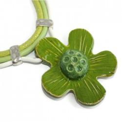 Wisior naszyjnik kwiat z ceramiki zielony