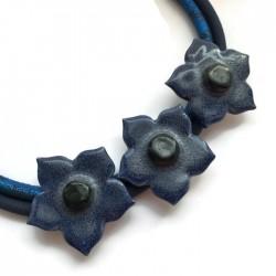 Naszyjnik z ceramiki kwiaty, granatowy