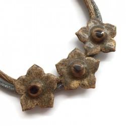 Naszyjnik z ceramiki kwiaty, jasny brąz