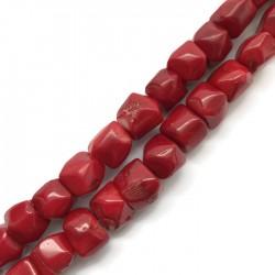 Koral czerwony bryłka 20x20mm sznurek