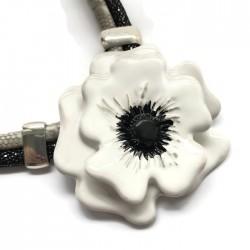 Naszyjnik z ceramiki Kwiat, biały SILVA