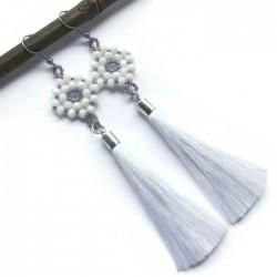 Kolczyki wyplatane ze szkła z chwostem, białe