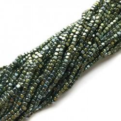 Hematyt kostka 3x3mm zielony sznurek