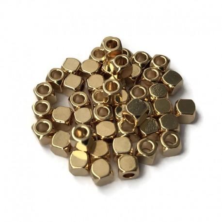Przekładka kosteczka  4x4mm stal nierdzewna Złoty