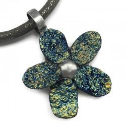 Wisior kwiat z druz agatu oprawiony w cynę, kolor zielono-niebieski 6,5x5cm
