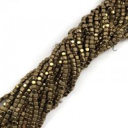 Hematyt kostka 3x3mm złoty sznurek