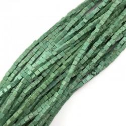 Turkus dobarwiany kostka 4x4mm zielony sznurek