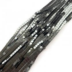 Hematyt kostka 4x4mm czarny sznurek